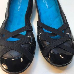 Adrienne Vittadini Black Sport Flats Size 10